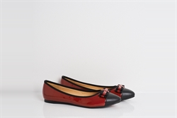 Womens Pointed Ballet Flats With Bow Detail