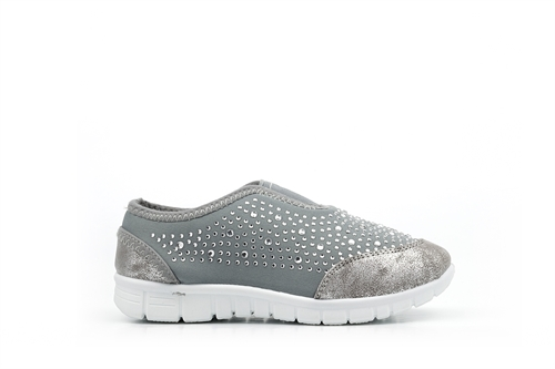 Girls Slip On Trainer With Diamante Detail Light Grey