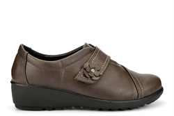 Boulevard Womens Lightweight Touch Fastening Casual Shoes With Soft Insole Taupe